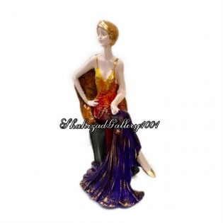 مجسمه نشسته ماریا - مجسمه زن نشسته