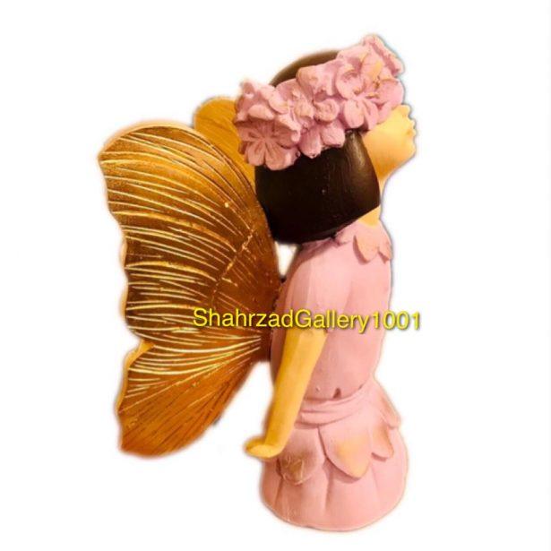 مجسمه دختر پروانه ای