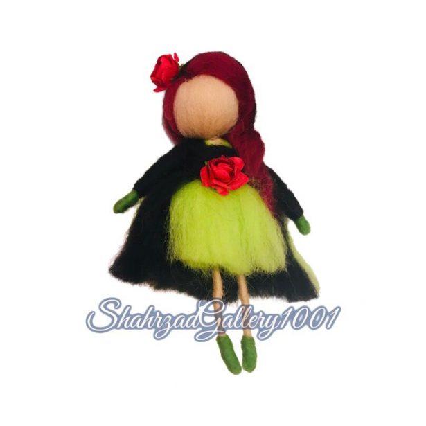 عروسک بانوی موسیقی و گل گالری شهرزاد