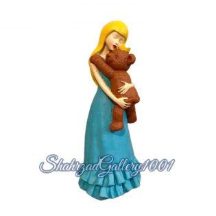 مجسمه دختر و خرس گالری شهرزاد