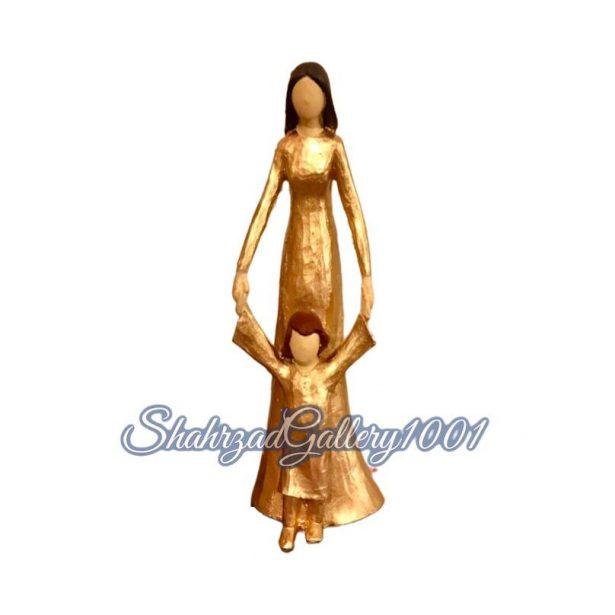 مجسمه فرشته مادر و فرزند