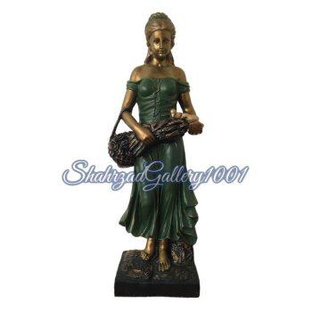 مجسمه دختر طرح پارمیس گالری شهرزاد اسدی