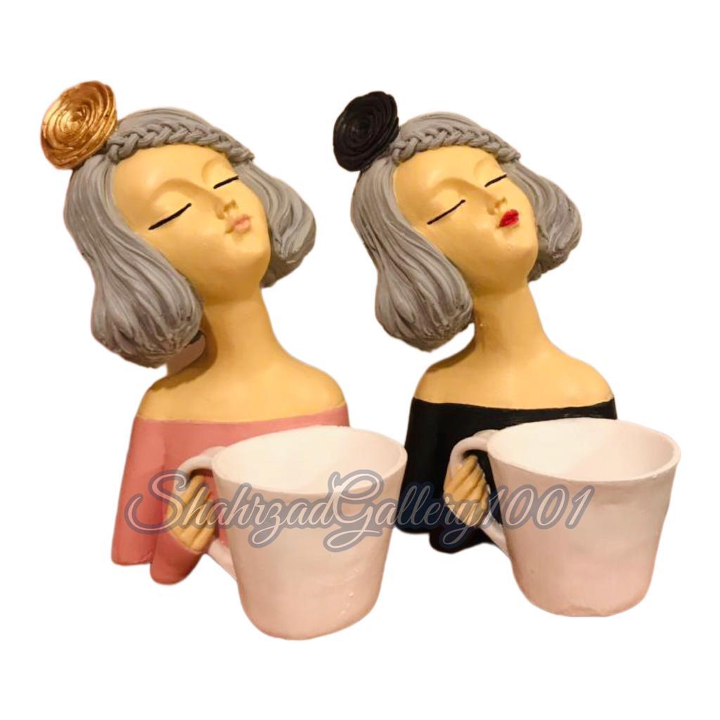 مجسمه دختر فنجان به دست گالری شهرزاد اسدی