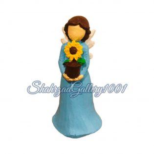 مجسمه فرشته گل به دست گالری شهرزاد اسدی