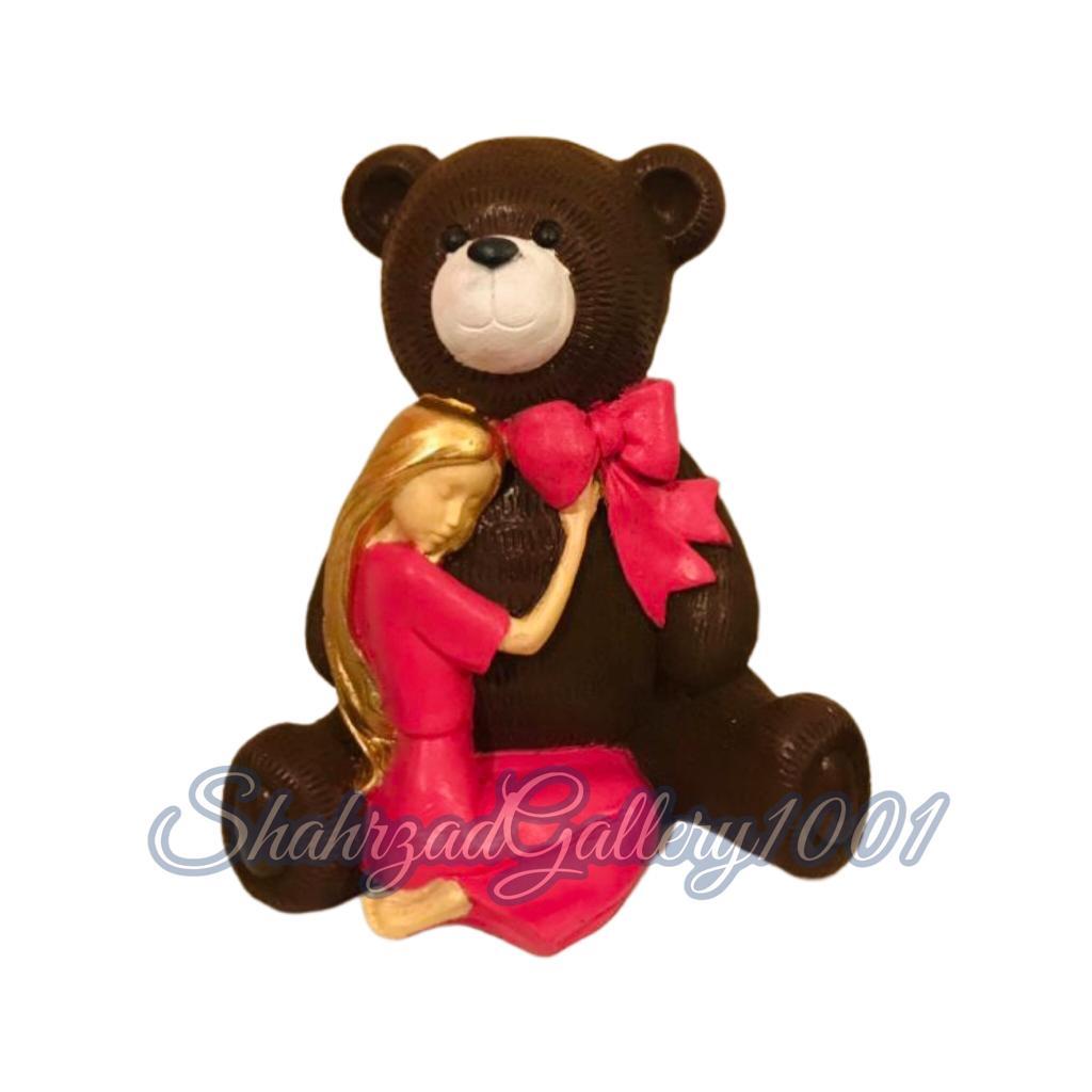 مجسمه خرس و دختر گالری شهرزاد اسدی