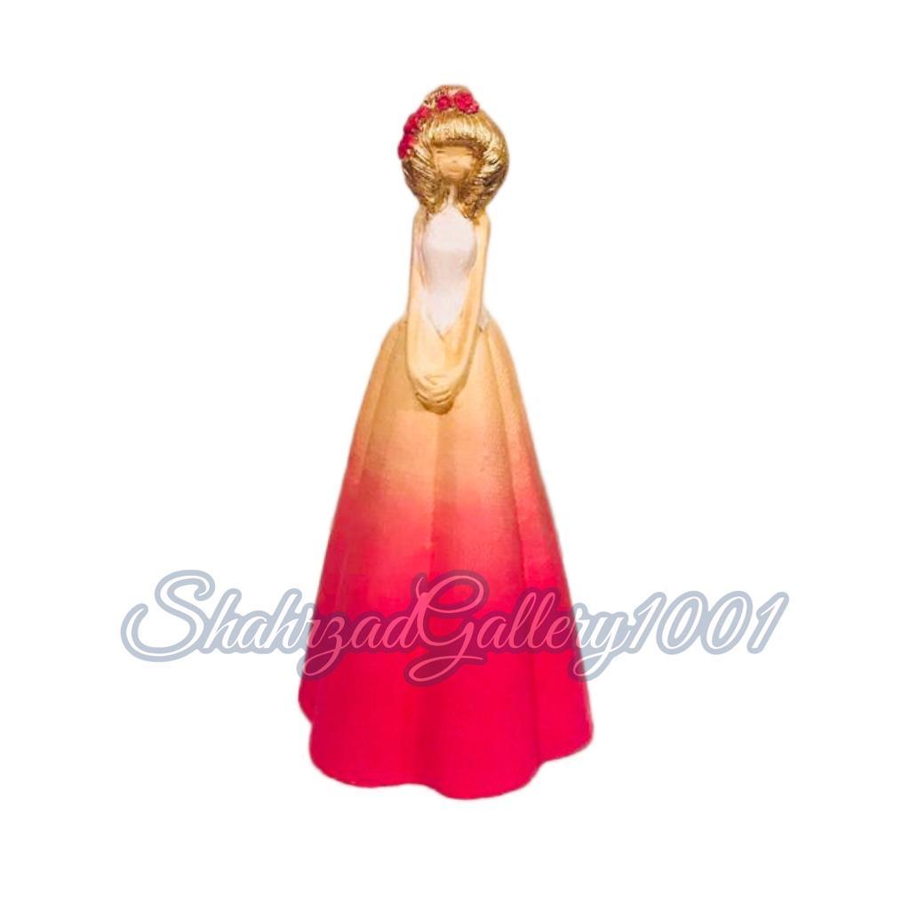 مجسمه عروس گالری شهرزاد اسدی